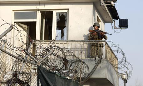 Afghanistan, attentato kamikaze: 11 morti Il bersaglio era una pattuglia della polizia