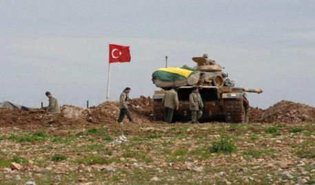 Siria: esercito turco attacca rinforzi Isis verso Jarablus