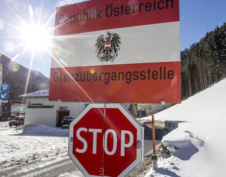 Migranti: scontri al Brennero con la polizia