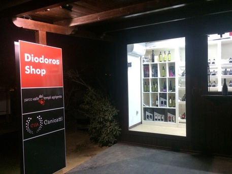 Il wine shop Diodoros © Ansa