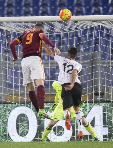 Calcio: Roma show, 5 gol al Palermo D947308397a6919c9e47b12eda731f7c