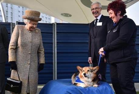 Britain's Queen Elizabeth II visits Battersea Dogs and Cats Home [ARCHIVE MATERIAL 20150317 ] © ANSA