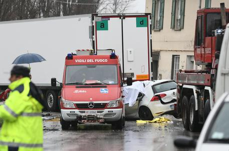 Scontro fra Tir a Treviso, morti e feriti