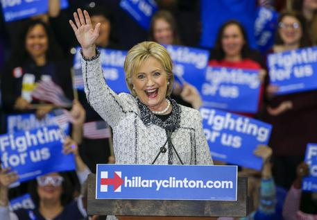 Clinton stravince in South Carolina © EPA