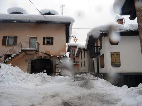 Maltempo: si stacca neve da tetto, morta donna © ANSA