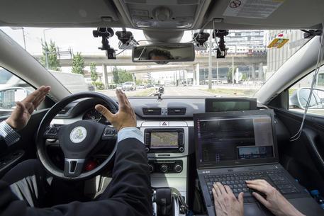 Auto senza pilota, al via test anche in Italia