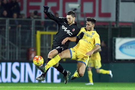 Frosinone-Bologna 1-0 49eb0b112a7e1da8815c8d46da3fca1a