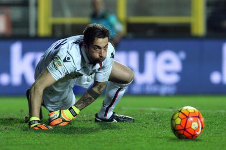 Serie A Bologna, ottimismo per Mirante. Frattura per Gomis