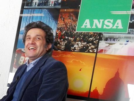Flavio Insinna in un momento  dell'intervista video all'Ansa © ANSA