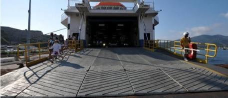 Mini stangata su navi per i Tir