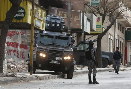 Giordania, attacco a castello di Karak: almeno 8 morti