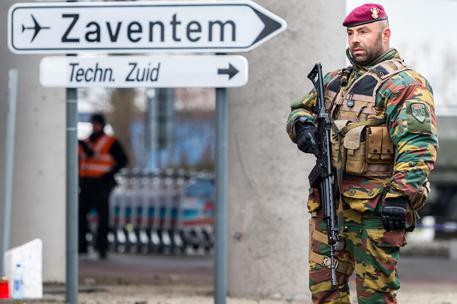 Bruxelles, allarme bomba su due voli in atterraggio