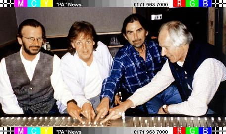 Ringo Starr, Paul McCartney, George Harrison e George Martin © ANSA