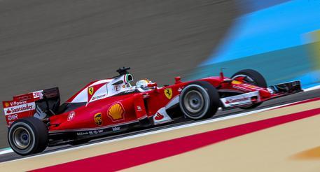 Tutti dietro Nico Vettel più lento di Raikkonen E si ferma pure