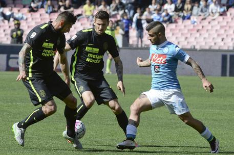 Serie A: Il Napoli resta a -6 dalla Juve 8dc56c1c9f1d9e73b4c953676cf050e4