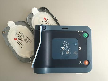 Lorenzin-Lotti: obbligo di defibrillatori negli impianti sportivi