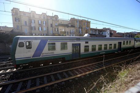 Metro' gialla, Rogoredo: uomo muore investito da convoglio