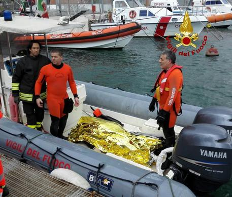 Velista di 58 anni muore annegato dopo essere caduto dalla barca