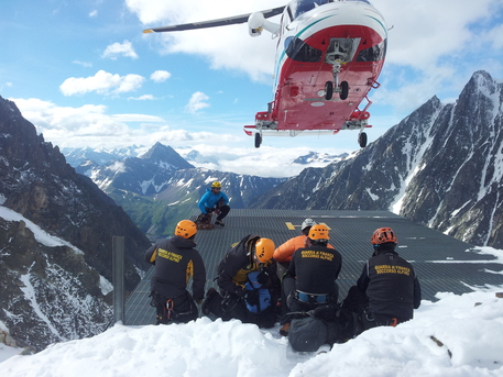 Valanga in Valgrinseche: morta una scialpinista francese