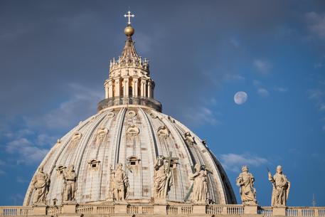 Roma. Pregiudicato entra in Santa Maria Maggiore e sfregia sacerdote e sacrestano