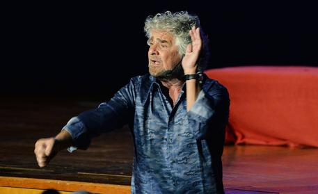 YOUTUBE Beppe Grillo,