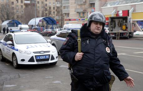 Mosca, scontri al cimitero fra lavoratori rivali