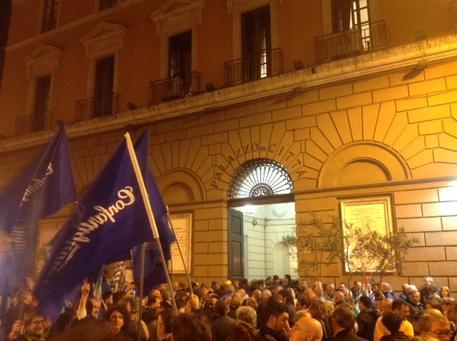 Renzi firma Patto per Bari, 230 mln area