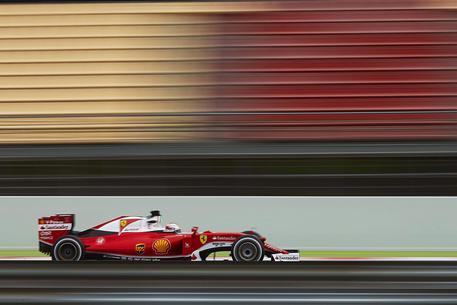 F1, Vettel primo nei test a Barcellona