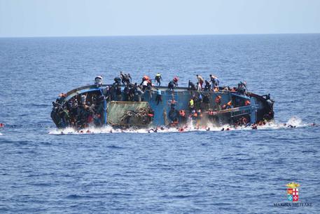 Un naufragio di migranti nel Mediterraneo (foto d'archivio) © ANSA