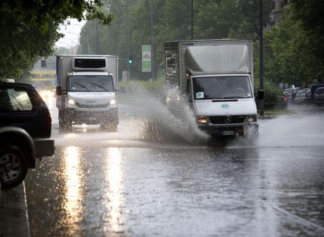Domenica di pioggia e vento, Protezione civile: allerta su tutta la Penisola