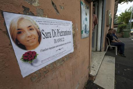 Funerali di Sara Di Pietrantonio nella parrocchia di Ponte Galeria (DIRETTA)