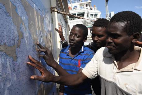 Soccorsi in mare, sbarcati a Palermo 592 migranti