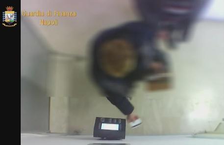 Furbetti cartellino: nei guai 7 dipendenti Inps in Campania
