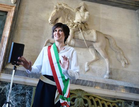 Torino, Chiara Appendino chiede le dimissioni di Francesco Profumo