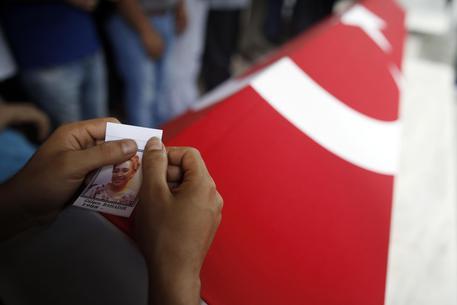 Tre terroristi dell'aeroporto di Istanbul sarebbero del Tagikistan © AP