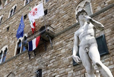 Strage di Nizza, bandiera francese a Palazzo Vecchio e manifestazione sull'Arengario