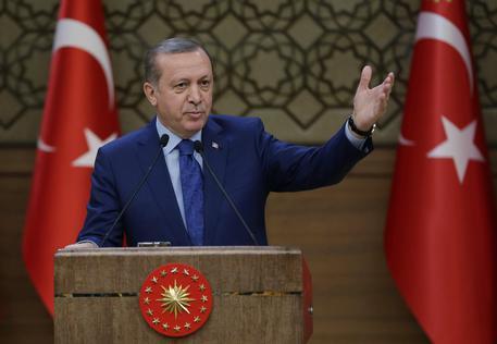 Erdogan: la Turchia ha molti nemici in attesa della sua disfatta