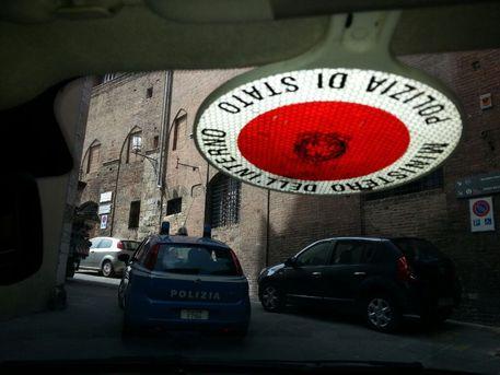 Si aggirava a Genova con pistola e coltello, arrestato reggino