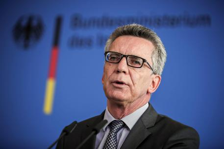 German Interior Minister de Maiziere on Ansbach attack © EPA