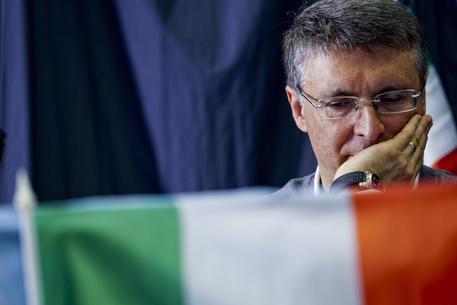 Cantone all'attacco: