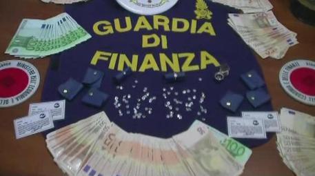 Mafia: sequestrati soldi e gioielli ex socio Vito Ciancimino © ANSA
