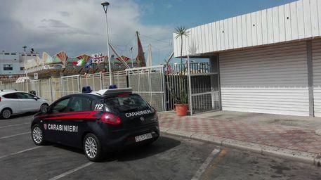 Picchiano e rapinano un giovane, quattro arresti a Cagliari