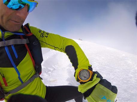 Ueli Steck, salita e discesa dal Monte Bianco a tempo di record