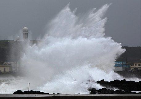 Giappone colpito dal tifone Mindulle, 2 morti nelle alluvioni