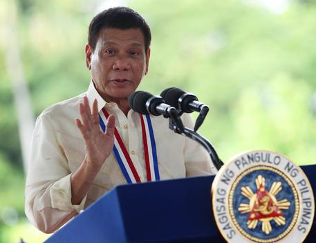 Tensione Usa-Filippine, Duterte insulta Obama: