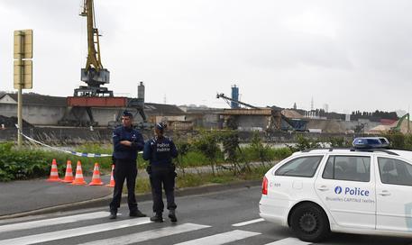 Bruxelles accoltellati due poliziotti: si teme attentato terroristico