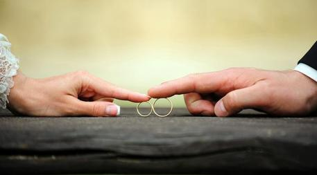 Infermiera dona un rene ad un paziente poi lo sposa