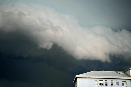 Allerta meteo, pioggia, grandine e temporali in arrivo in tutta la Puglia