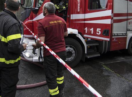 Divampa incendio a Palermo, muore per salvare la moglie$