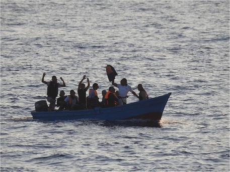Migranti, recuperati 6 cadaveri in mare
